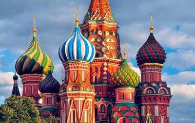 Le drapeau russe est tricolore, mais quelle couleur est à son centre ?