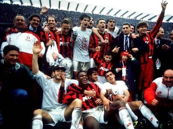Qui perd la finale de 1994 contre l'AC Milan ?