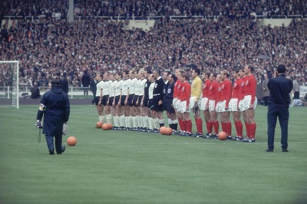 Où se dispute la finale de 1966 entre l' Allemagne de l' Ouest et l' Angleterre ?