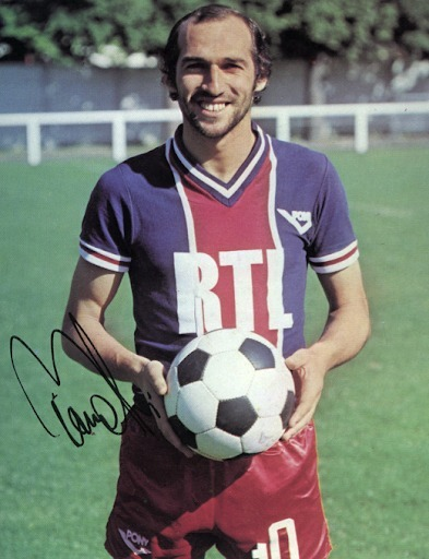 Avec Reims et le PSG, combien de fois Carlos Bianchi a-t-il fini meilleur buteur du championnat français ?