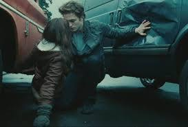 Que va-t-il se passer pour que Bella se doute qu'Edward n'est pas vraiment humain ?