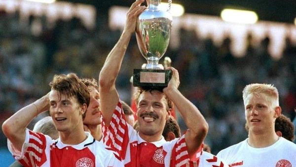 Le Danemark remporte l' Euro 92. Non qualfiés à l'origine, qui les danois ont-ils remplacé dans cette compétition ?