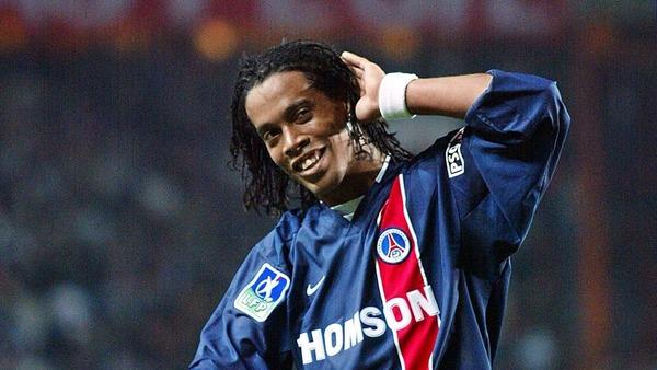 Dans quel club le brésilien Ronaldinho évoluait-il avant de rejoindre le PSG ?