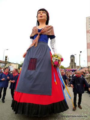 Quelle est l'année de participation de la Belle Hélène au 41ème Corso de la Vogue des Noix de Firminy ?