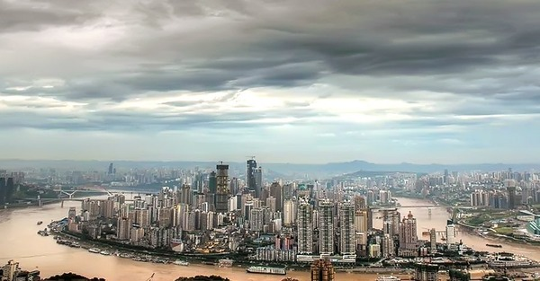 Quel fleuve passe par la ville de Chongqing ?