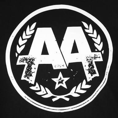 Quantos membros tem a formação atual da banda ?