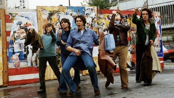 À quel réalisateur doit-on « Le Péril jeune » en 1995 ?