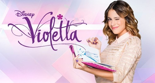 Who fall in love with Violetta in the second season?