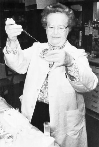 Quem foi a farmacêutica que recebeu o Prêmio Nobel de 1988 pela criação de novos medicamentos ?