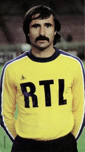 Il a joué à Nice, Ajaccio ou encore au PSG, c'est ?