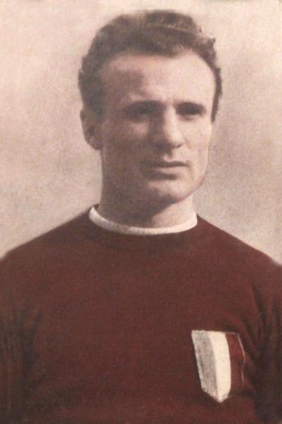 Disparu dans le tragique accident d'avion qui a décimé l'équipe du Torino en 1949, il s'agit de l'attaquant ?