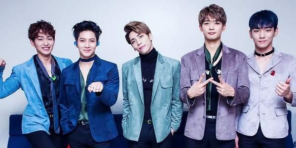 En quelle année le boys band SHINee est passé de 4 à 5 membres ?