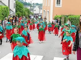 La ville de Plougastel est réputée pour :