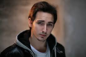Comment s'appelle cet acteur ?