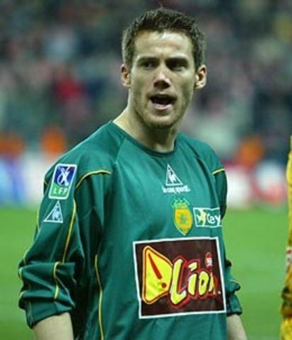 En 1996, pour ses débuts au FC Nantes à l'âge de 17 ans, de quel bastiais Mickaël Landreau a-t-il stoppé un penalty ?