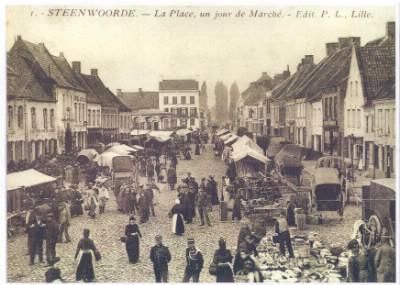 En quelle année a eu lieu la première sortie de la Belle Hélène au carnaval de la Mi-Carême à Steenvoorde ?
