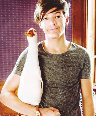 Comment se nomme l'ex petite amie de Louis ?