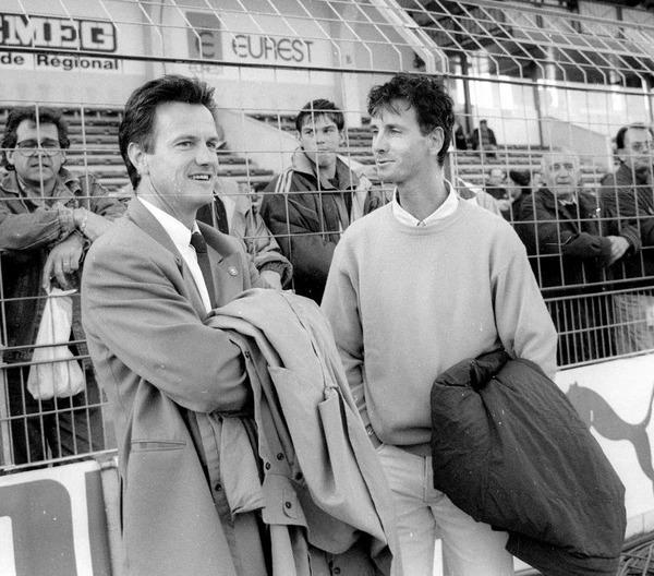 Au début des années 90, quel club est entraîné par Daniel Jeandupeux ?
