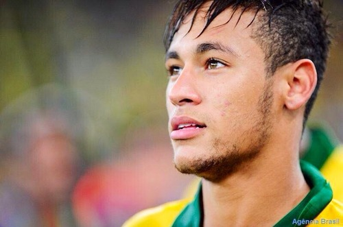 Neymar a-t-il déjà eu une mèche blonde ?