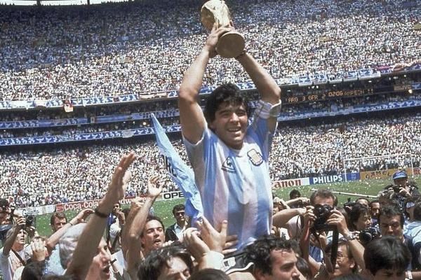 Portée par un génial Diego Maradona, l' Argentine remporte le Mondial de 86 en battant en finale ....