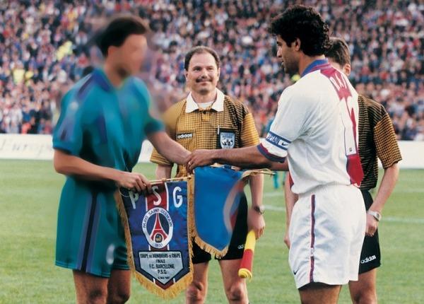 En 1997, le PSG dispute sa deuxième finale de Coupe des Coupes consécutives mais s'incline face à .....