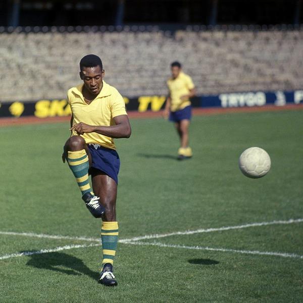 En 1966, il dispute son 3e Mondial mais à quel stade le Brésil est-il éliminé ?