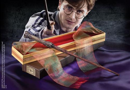 Dans quelle boîte se trouvait la baguette d'Harry chez Ollivander ?