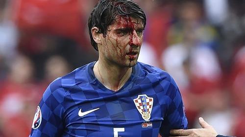 Dans quel club joue Vedran Corluka ?
