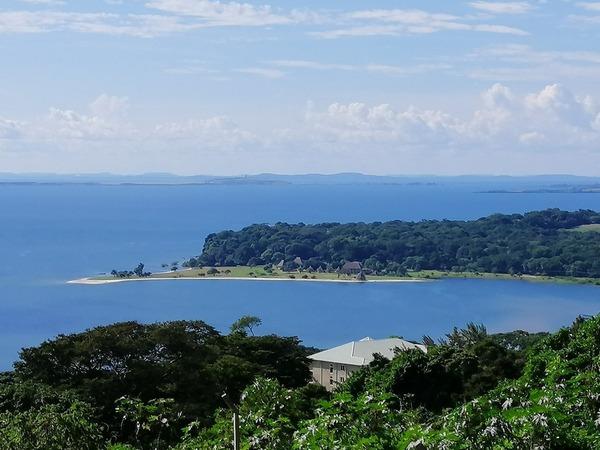 Dans quel archipel se trouve la ville de Kalangala ?