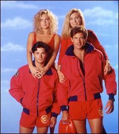 Les célèbres sauveteuses avec leur maillot rouge sont dans la série intitulée :