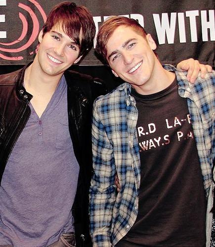 Koja je Kendallova i Jamesova omiljena boja ?