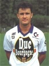Qui est cet attaquant qui a passé 9 saisons à Auxerre ?