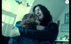 Comment s'appelle le professeur qui était amoureux de Lily, la mère d'Harry ?