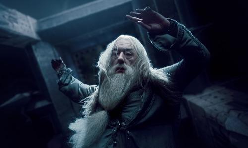Melyik részben halt meg Dumbledore?