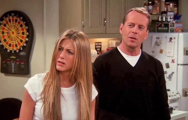 Quel personnage Bruce Willis a-t-il joué dans Friends ?