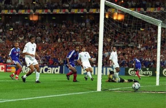 On joue les dernières secondes de ce match, et l'équipe de France égalise par ce joueur entré en cours de match :