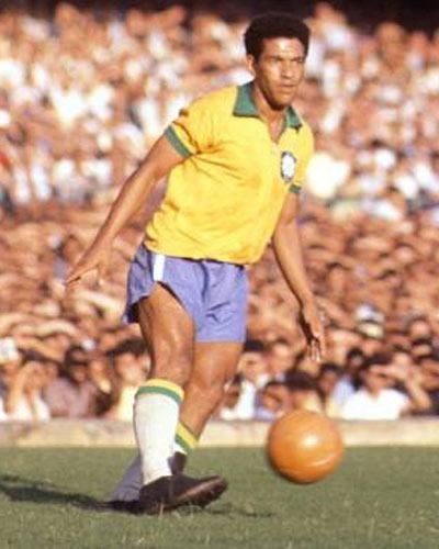 Combien de Coupe du Monde le brésilien Garrincha a-t-il remporté ?