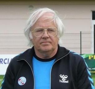 Ancien joueur et entraîneur du RC Strasbourg, il s'agit de ?