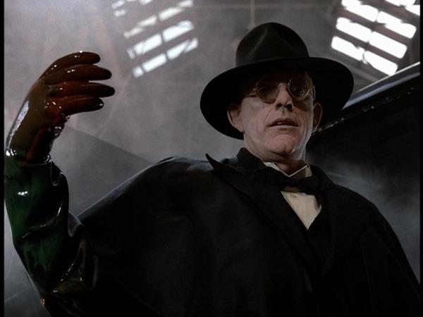 Quel est ce juge interprété par Christopher Lloyd dans Roger Rabbit ?