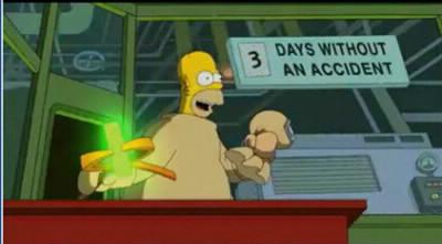 Dans le générique, Homer attrape quelque chose :