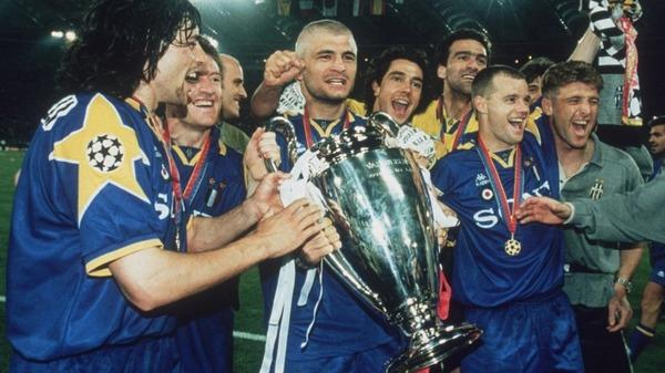 Qui perd la finale de 1996 contre la Juventus de Turin ?