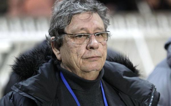 Il a été à plusieurs reprises le coach de Montpellier, c'est ?