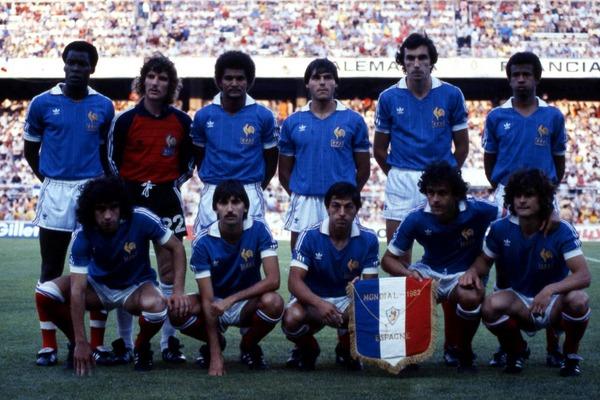 En demi-finale du Mondial 82, à qui les français sont-ils opposés ?