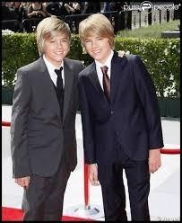 Comment s'appellent ces acteurs qui jouent dans la vie de croisière de Zack et Cody ?