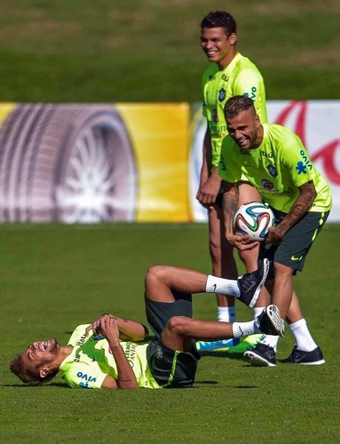 Neymar joue dans des pubs de caleçon ?