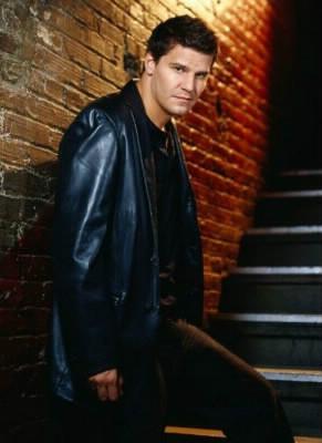 Quel personnage de Buffy devient un des personnages principaux du Spin off « Angel » ?