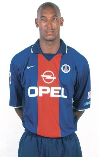 Le PSG est le premier club pro de la carrière de Nicolas Anelka.