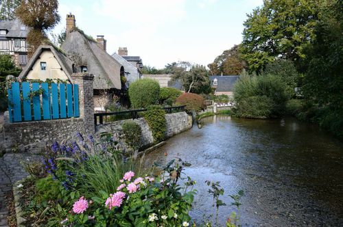 En France, quel est le nom du plus petit cours d'eau ?