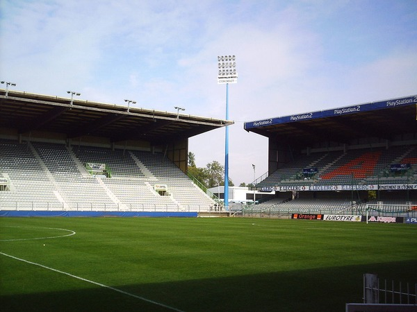 Le Stade de l'Abbé Deschamps tient son nom de ...