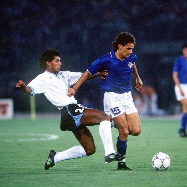 Combien de buts inscrit-il lors du Mondial 90 ?